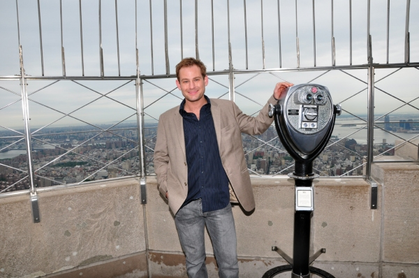 Photo Coverage: Empire State Building Honors Tony Nominees