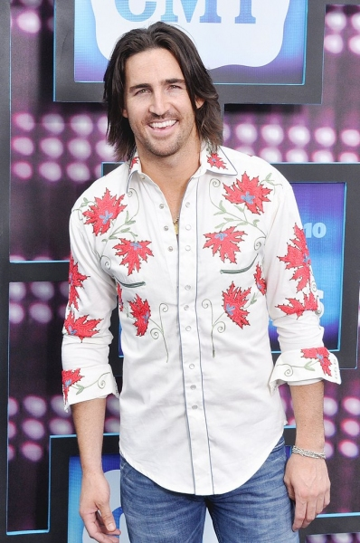 Jake Owen at CMT Awards Red Carpet Arrivals!