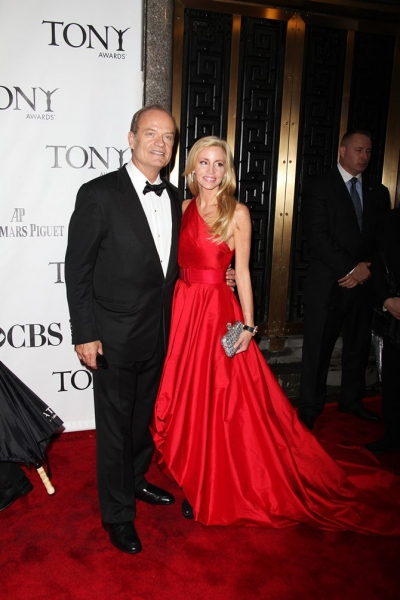 Kelsey Grammer and Camille Grammer at 2010 Tonys - Red Carpet!