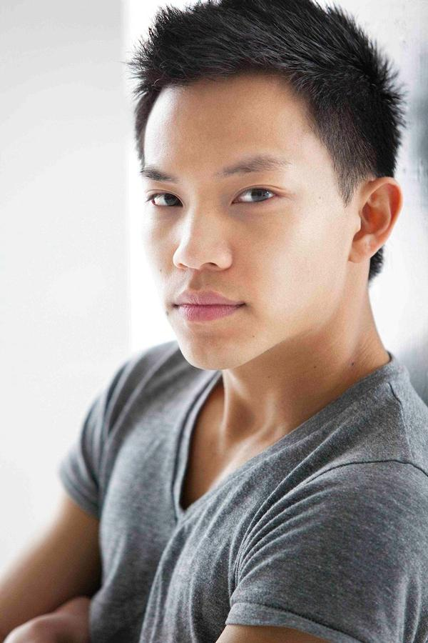 Tony Vo Headshot at