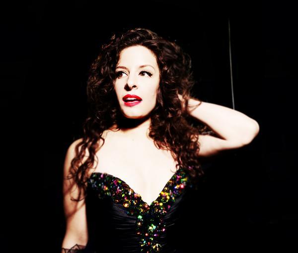 Amy Lynn Photo