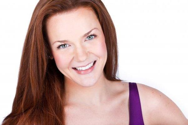 Lindsay O'Neil Headshot at