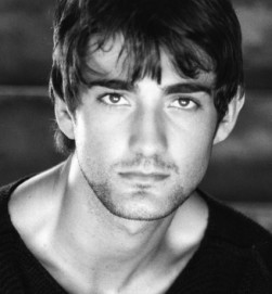 Oliver Tompsett Photo