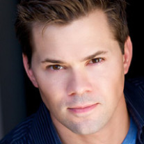 Andrew Rannells Photo