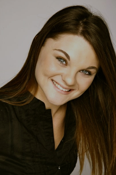 Ellen Dyer Headshot at