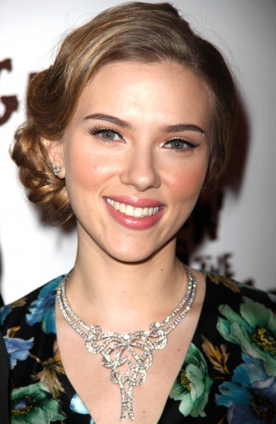 BWW Exclusive: Tony-Winner Scarlett Johansson Talks Hollywood to Broadway & More