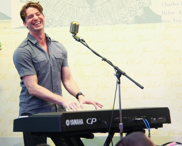 Photo Coverage: MILLION DOLLAR QUARTET Celebrates Cast Album Release at Barnes & Noble
