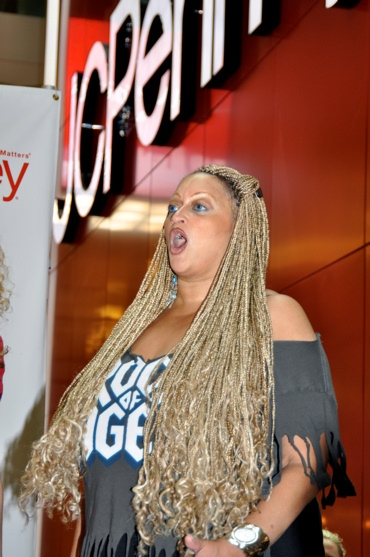 Photo Coverage: JCPenney and the Cast of Rock of Ages Kick Off Broadway in Bryant Bark!