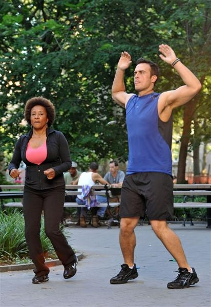 Photos: Cheyenne Jackson Begins Shooting for 'Curb Your Enthusiasm'
