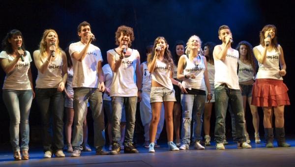 Lorena Calero, Anes León, Ýngel Muñiz, Marc Parejo, Sara Grávalos, Naike, Borja Voces y Marí a Virumbrales