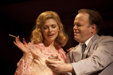 Gretchen Egolf (Blanche DuBois) and Brian Keane