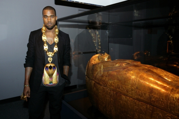 Photo Flash: Kanye West Visits The King Tut Exhibit