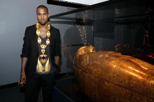 Photo Flash: Kanye West Visits The King Tut Exhibit