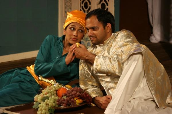 Minita Gandhi (Viola) & Anish Jethmalani (Orsino) Photo