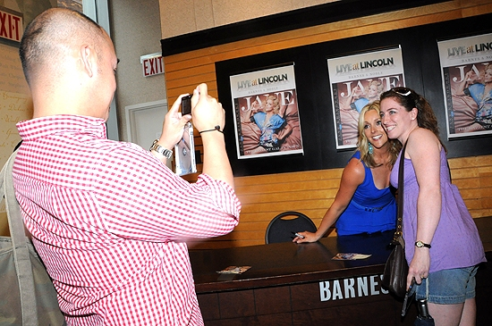 Photo Coverage: Jane Krakowski Releases 'Laziest Girl In Town' Album