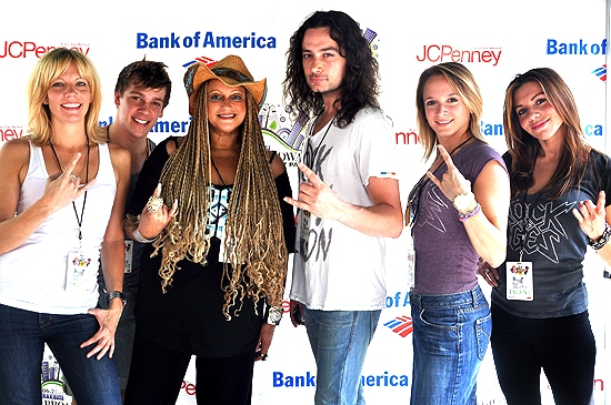 Jennifer Foote , Derek St. Pierre , Michele Mais, Constantine Maroulis, Emily Padgett & Angel Reed (Rock Of Ages)