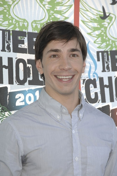 Photo Coverage: 2010 Teen Choice Awards - Arrivals