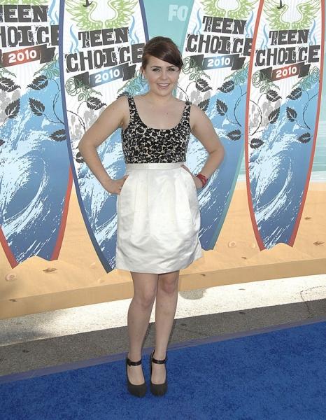 Mae Whitman at 2010 Teen Choice Awards - Arrivals