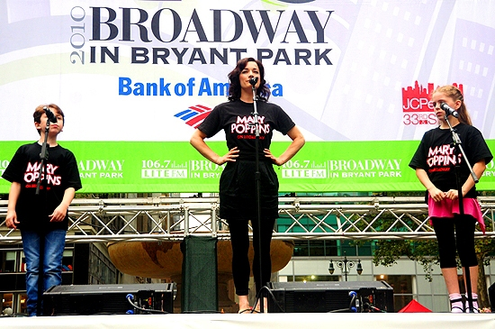 Ethan Haberfield, Laura Michelle Kelly ( Mary Poppins ) at LA CAGE, IDIOT, WEST SIDE STORY & More Play Broadway in Bryant Park!