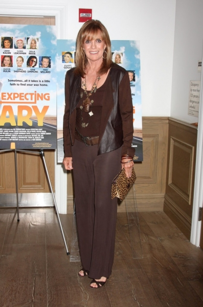 Linda Gray at 'Expecting Mary' Benefits The Actor's Fund