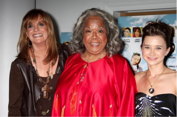 Linda Gray, Della Reese and Olesya Rulin