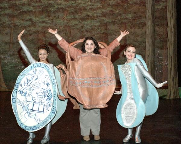 Salena Qureshi, Jenny Horowitz and Julia Mitchell Photo