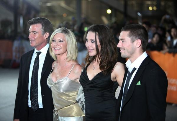 John Easterling, Olivia Newton-John, Chloe Lattanzi, and musician Crosby Loggins