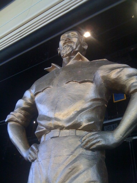 the giant statue of Ho Chi Minh