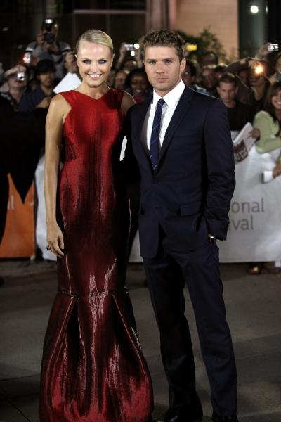 Malin Akerman and Ryan Phillippe