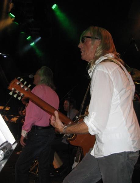 Nigel Olsson, John Mahon,  Davey Johnstone