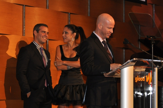 Andy Cohen, Bethenny Frankel and the winner of Outstanding Social Marketing Campain-SAGECAP accepted by David Canter