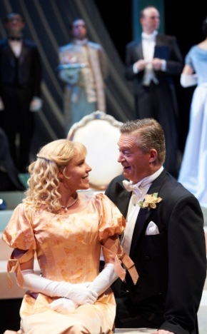 Photo Flash: IDEAL HUSBAND Plays the Great Lakes Theater Festival