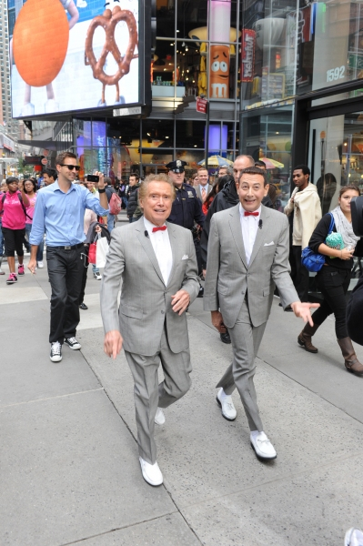 Regis Philbin, Pee-Wee Herman at Pee-Wee and Regis Tour Times Square!