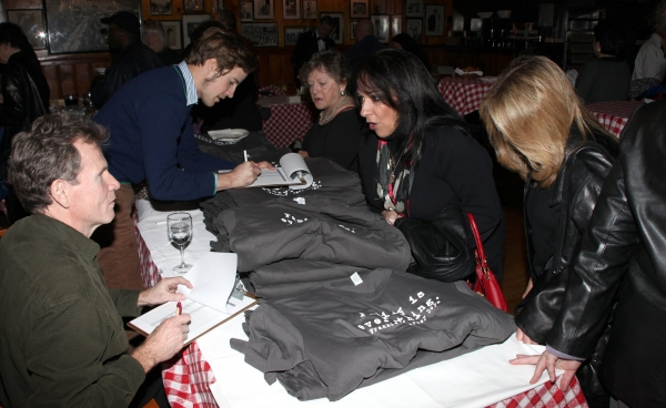 Photo Coverage: JERSEY BOYS celebrates Five Years on Broadway with Fans!