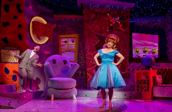 Paul Reubens as Pee-Wee Herman and Lynne Marie Stewart as Miss Yvonne Photo