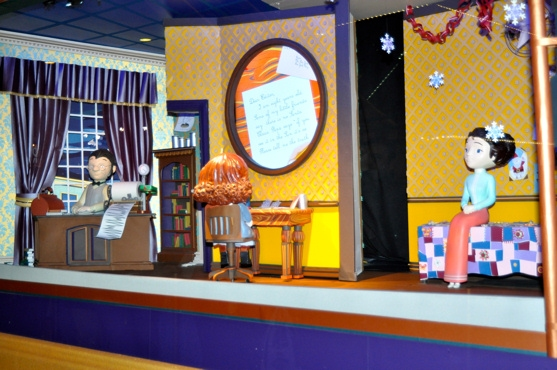Photo Coverage: Macy's Herald Square Christmas Window Unveiling Spectacular