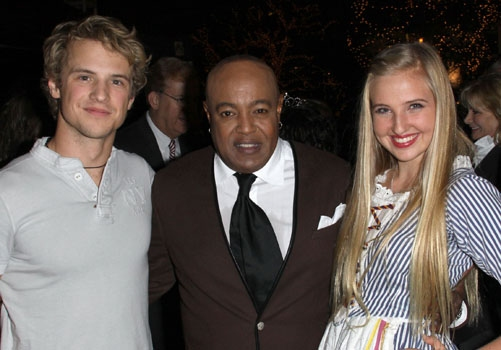 Freddie Stroma, Peabo Bryson & Veronica Dunne at The Americana at Brand Photo