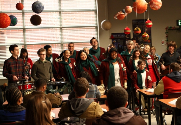 GLEE Cast at A Very GLEE Christmas - First Shots!