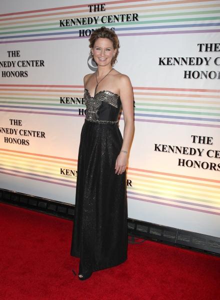 Jennifer Nettles at 2010 Kennedy Center Honors Red Carpet Part 1