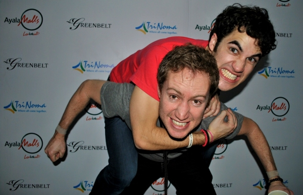 Darren Criss and manager Ricky Rollins pose for BroadwayWorld.com