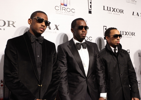 Photo Flash: Diddy Rings in the New Year at LAX Nightclub