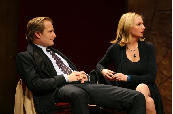 Jeff Daniels and Hope Davis