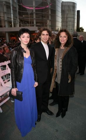Natalia Osipova and Ivan Vasiliev pose with actress Jacqueline Bisset