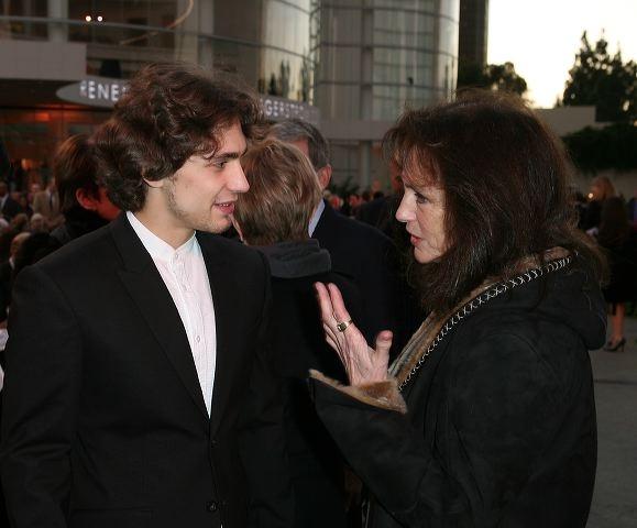 Ivan Vasiliev (L) and actress Jacqueline Bisset