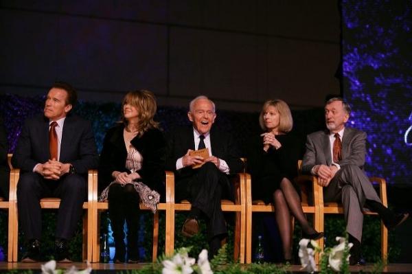 Arnold Schwartzenegger, Elizabeth Segerstrom, Founding Chairman Henry Segerstrom, Sandy Segerstrom Daniels and John Daniels
