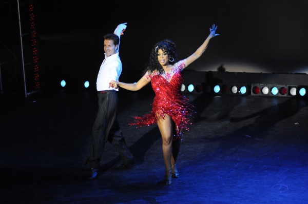 Louis Van Amstel and Niecy Nash