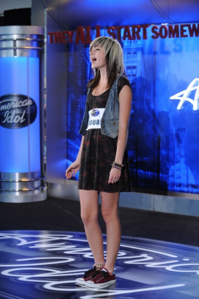 AMERICAN IDOL: Emma Henry, 15 from Littleton, CO. performs in front of the judges on Wednesday, Jan. 26 on FOX. CR: Michael Becker / FOX.