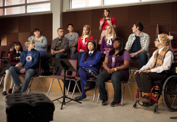 "Rachel Lea Michele, C makes a suggestion to the glee club in the ""Comeback"" episode of GLEE airing Tuesday, Feb. 15 8:00-9:01 PM ET/PT on FOX. Pictured bottom row L-R: Naya Rivera, Chord Overstreet, Jenna Ushkowitz, Amber Riley and Kevin McHale. Top row L"