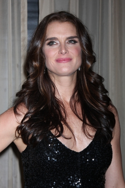 Brooke_Shields_to_Star_in_New_Play_GIRLS_TALK_in_Hollywood_20010101