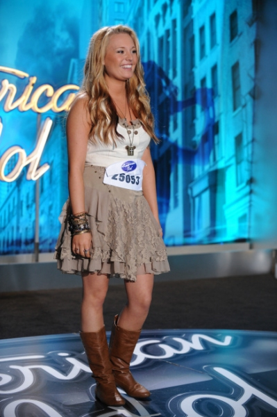 AMERICAN IDOL: AUSTIN: Janelle Arthur, 20, from Oliver Springs, TN. performs in front of the judges on Wednesday, Feb. 2 on FOX. CR: Michael Becker / FOX. at AMERICAN IDOL February 2 Auditions